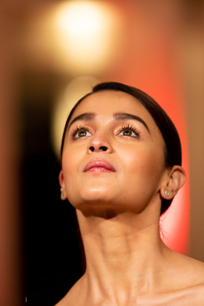 Alia Bhatt looks Hot at the Gully Boy Photocall during 69th 683x1024