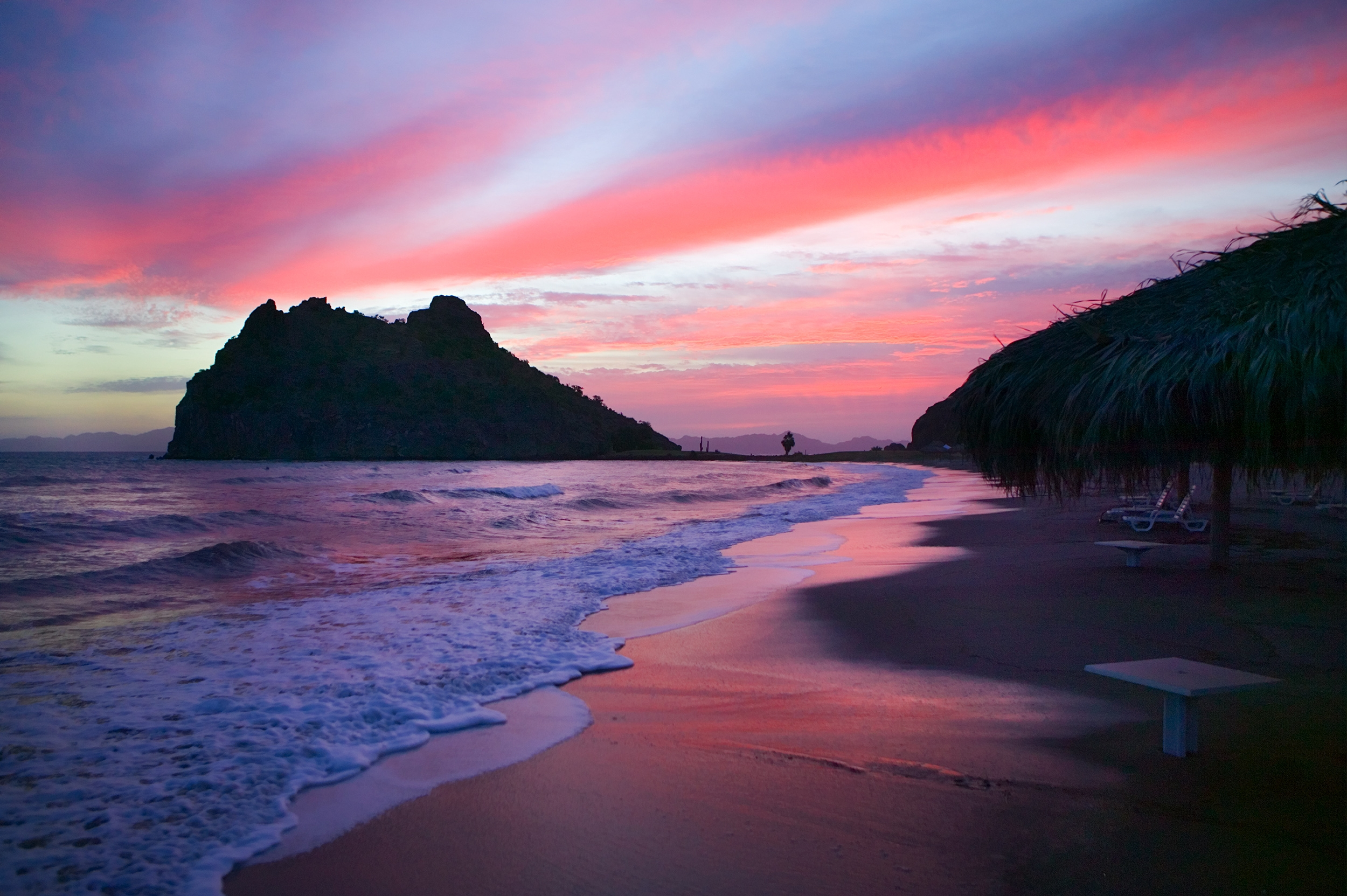 pink beach wallpapers and images   wallpapers pictures photos 2500x1663