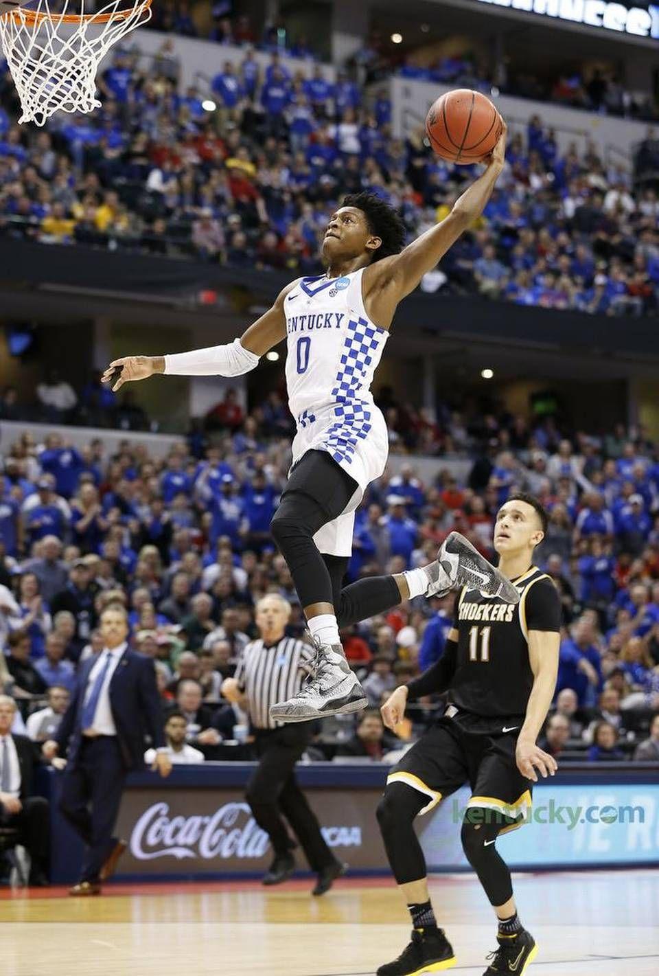 Kentucky Wildcats guard DeAaron Fox 0 soared to the basket on 960x1421