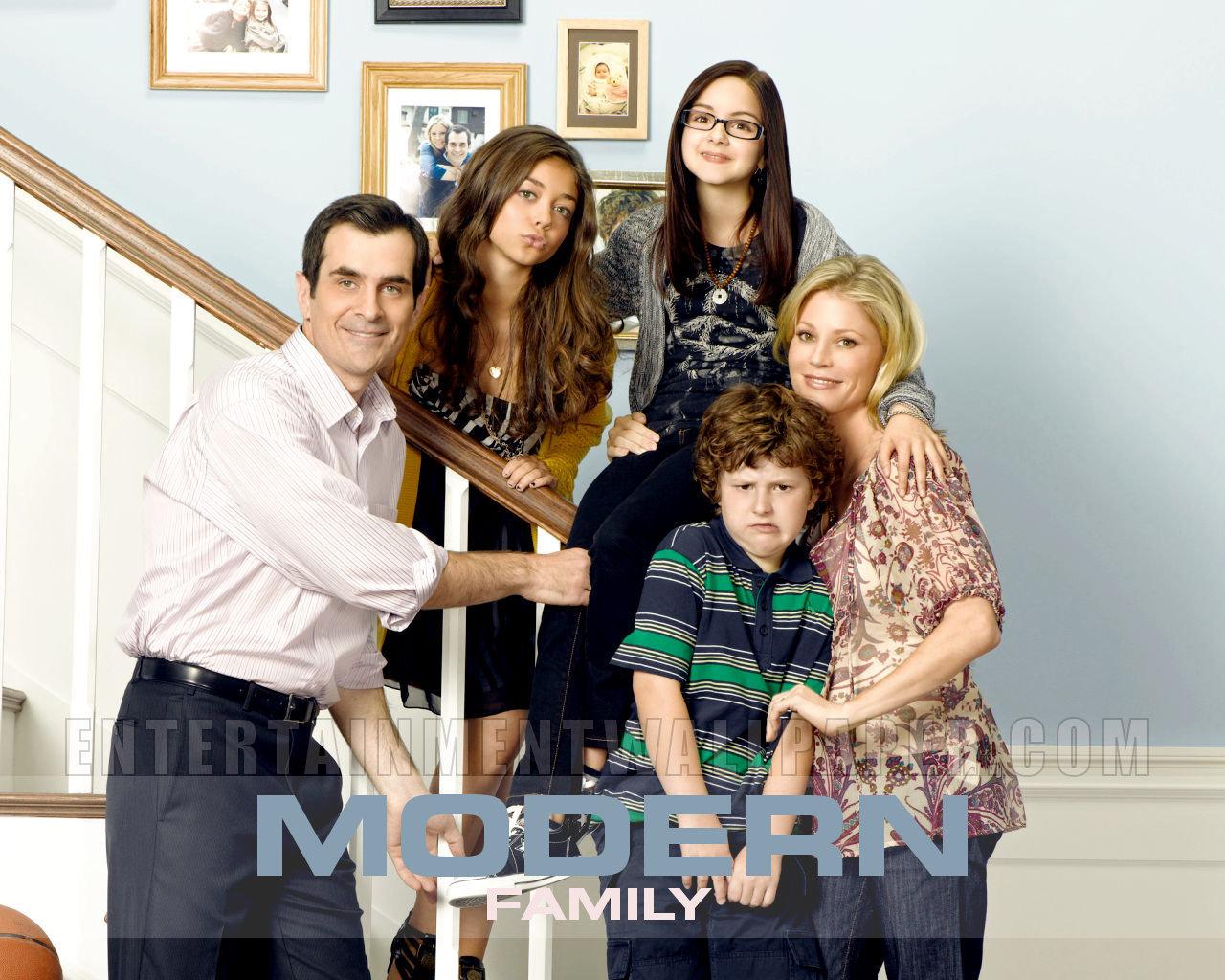Modern Family images Modern Family Wallpaper wallpaper photos 1280x1024