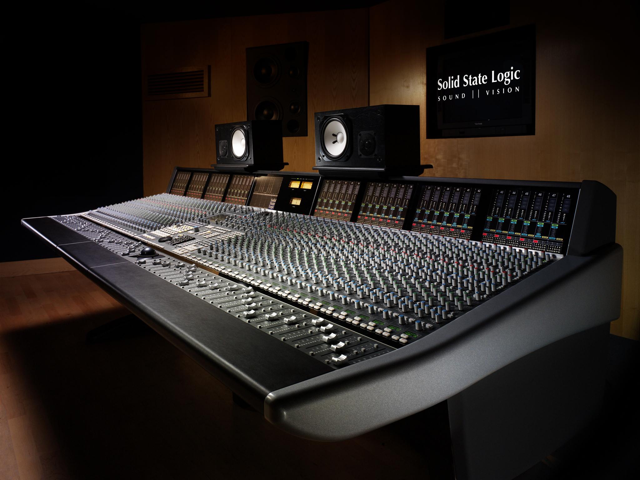 Music studio mixing tables sound wallpaper 2048x1536 19364 2048x1536