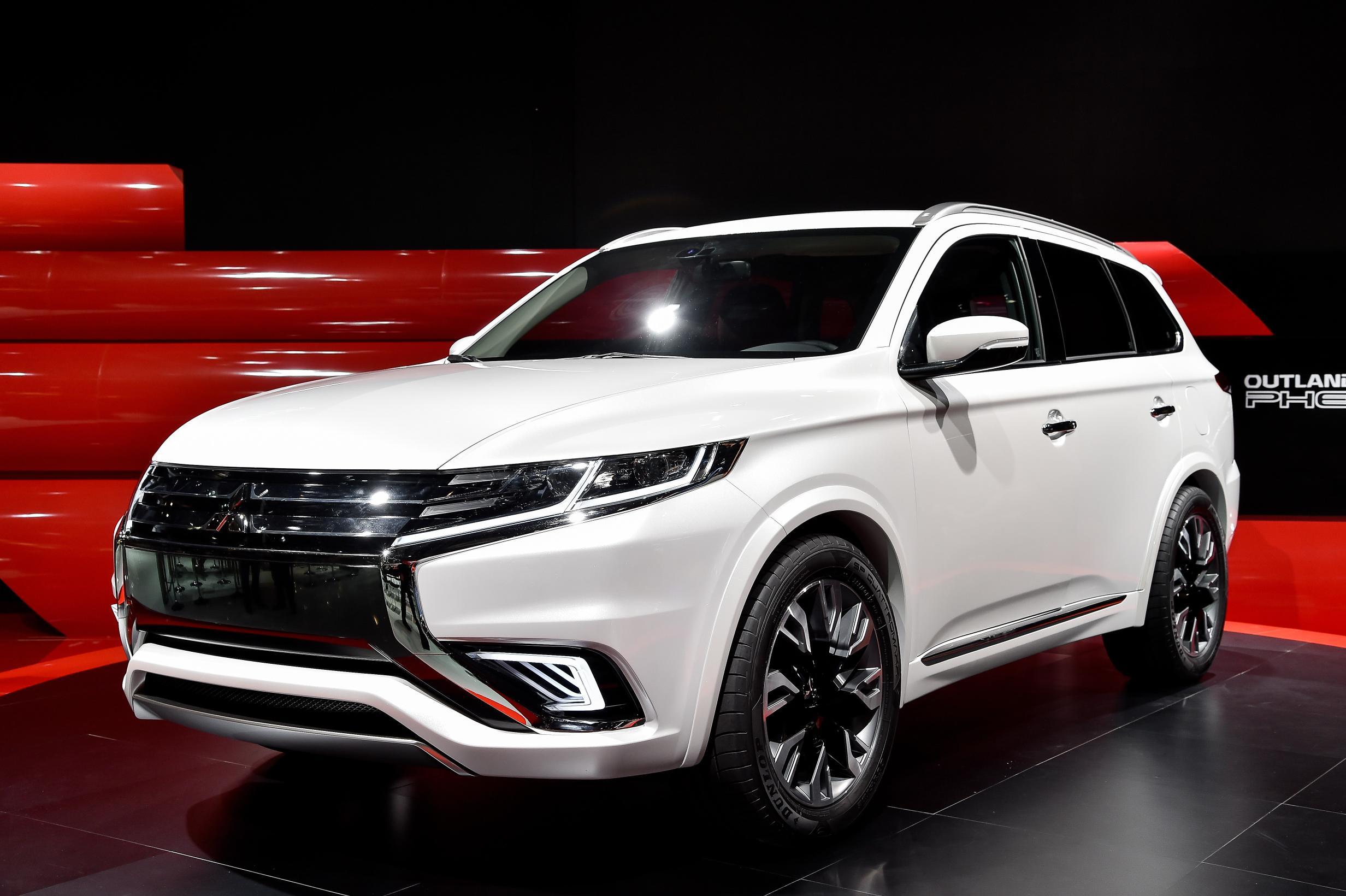 2016 Mitsubishi Endeavor pictures information and specs   Auto 2464x1640