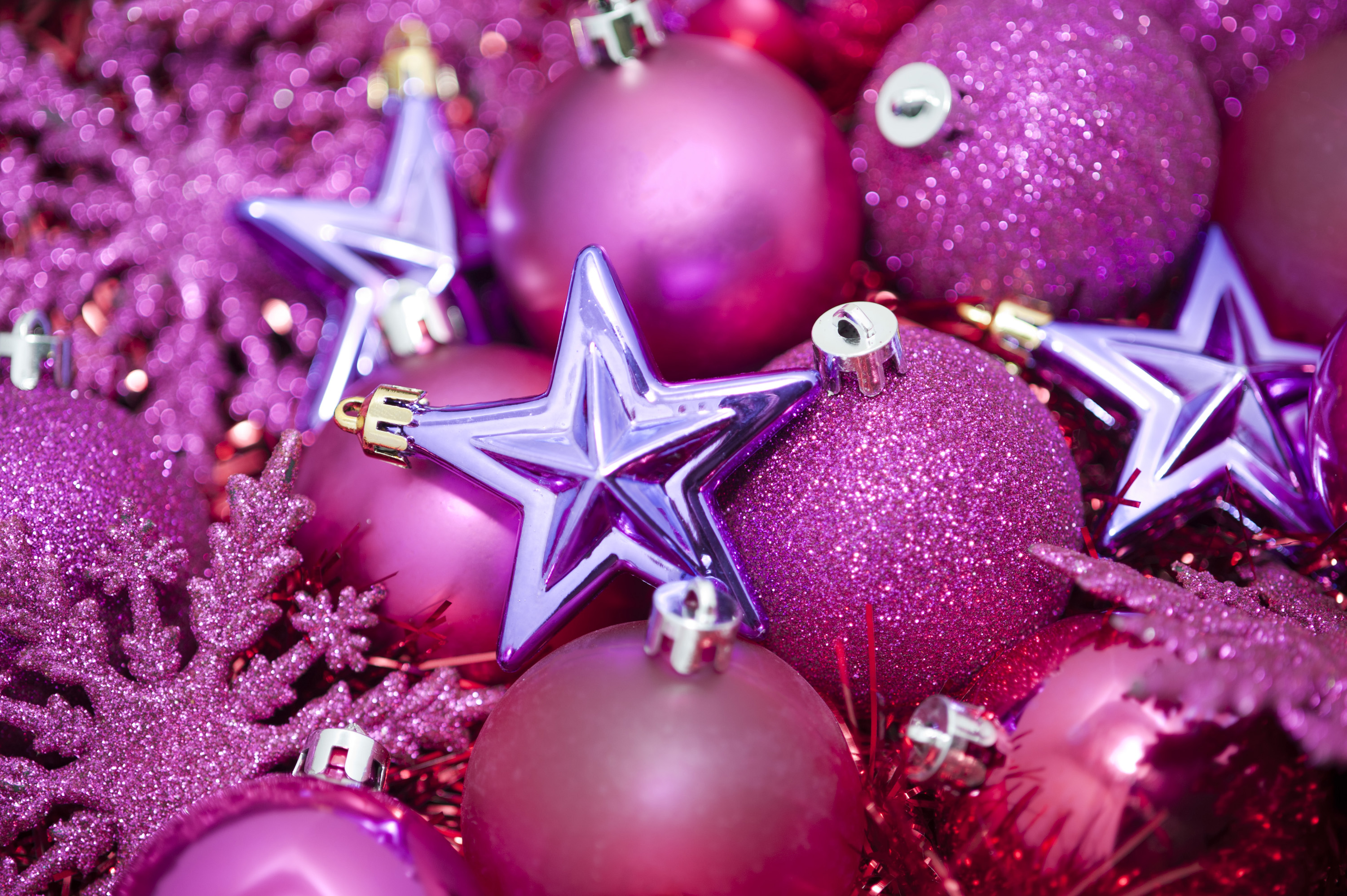 Download Original image of pink glittery christmas stars [1660kB] 3000x1996