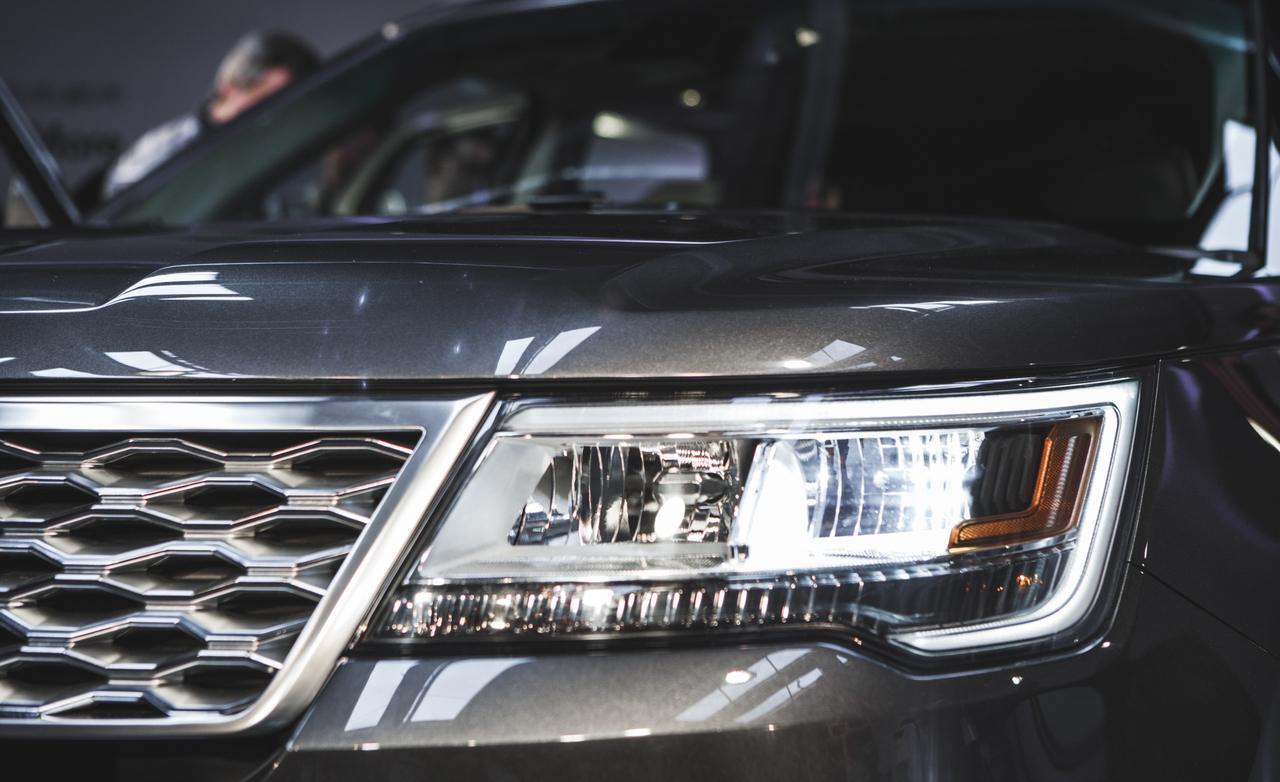 2016 Ford Explorer Platinum photo 1280x782
