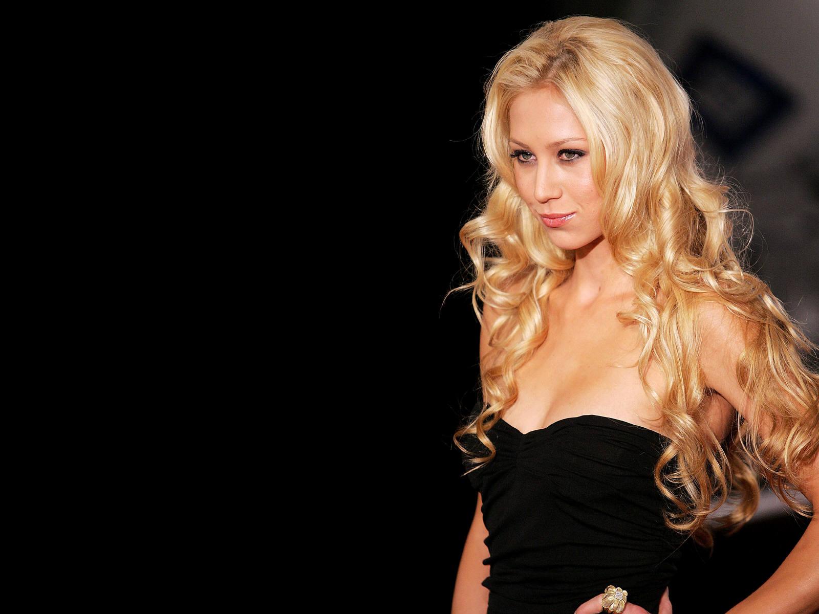 Anna Kournikova Black Dress Wallpaper 65035 1600x1200px 1600x1200
