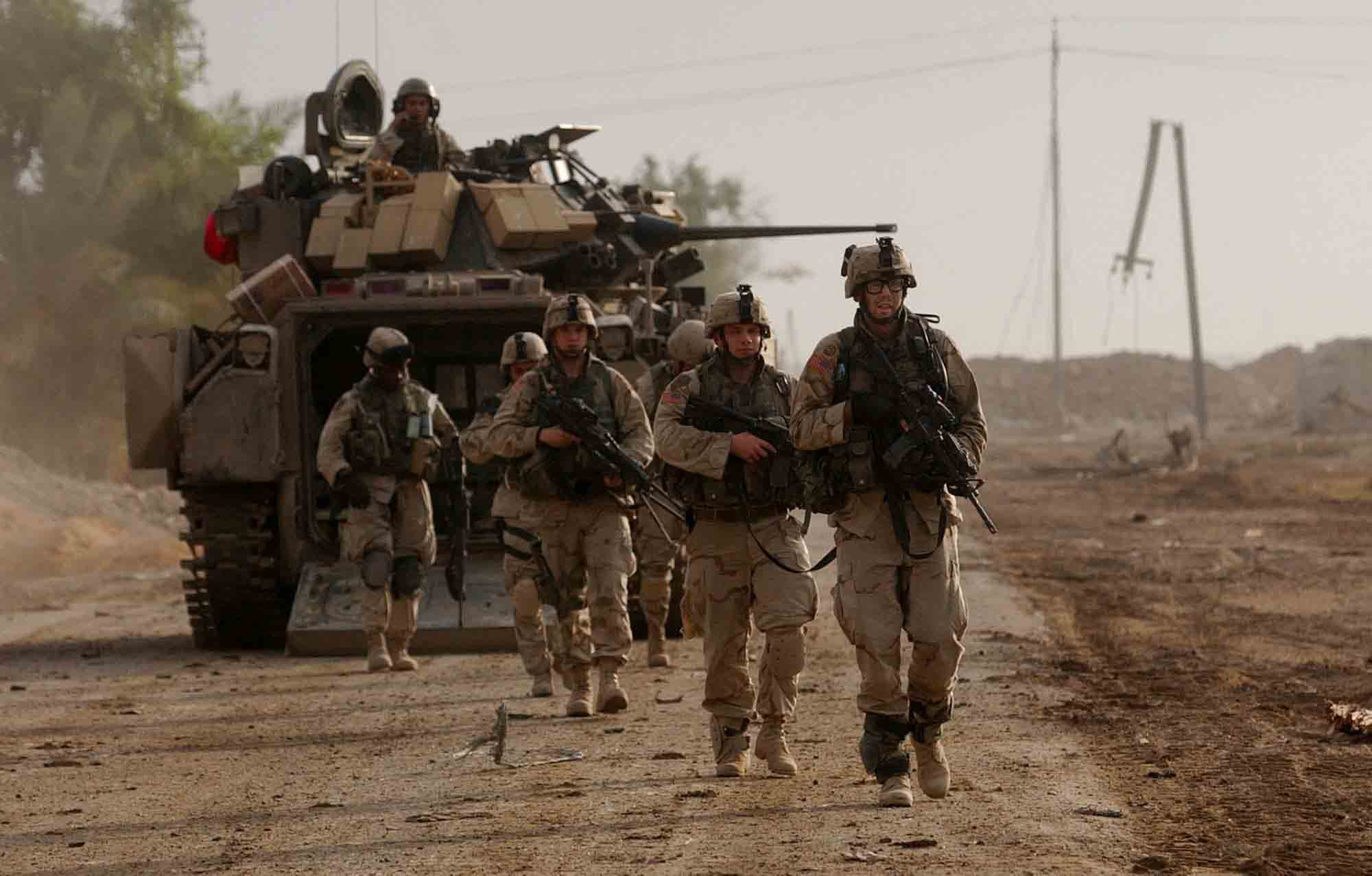 Military Soldiers In Combat 9389 Hd Wallpapers in War n Army 2000x1277