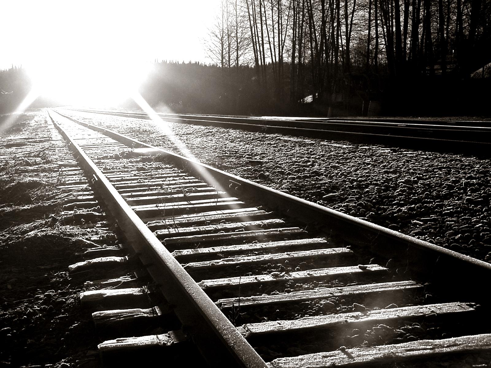 railroad tracks HD Wallpaper   Trains Buses 232965 1600x1200