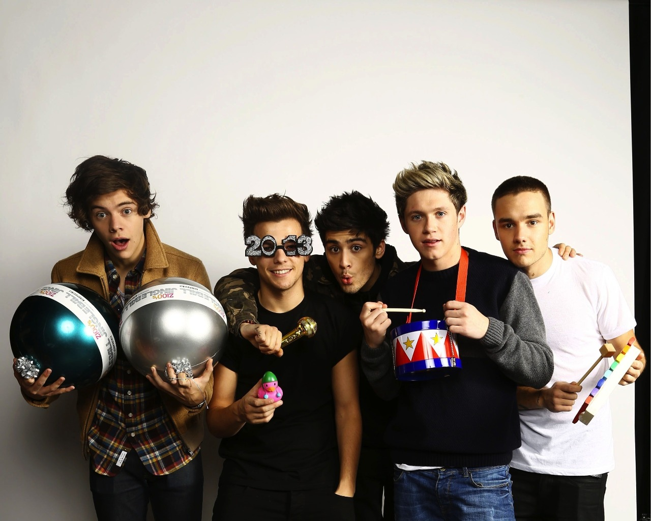 One Direction Wallpaper one direction 33219981 1280 1024jpg 1280x1024