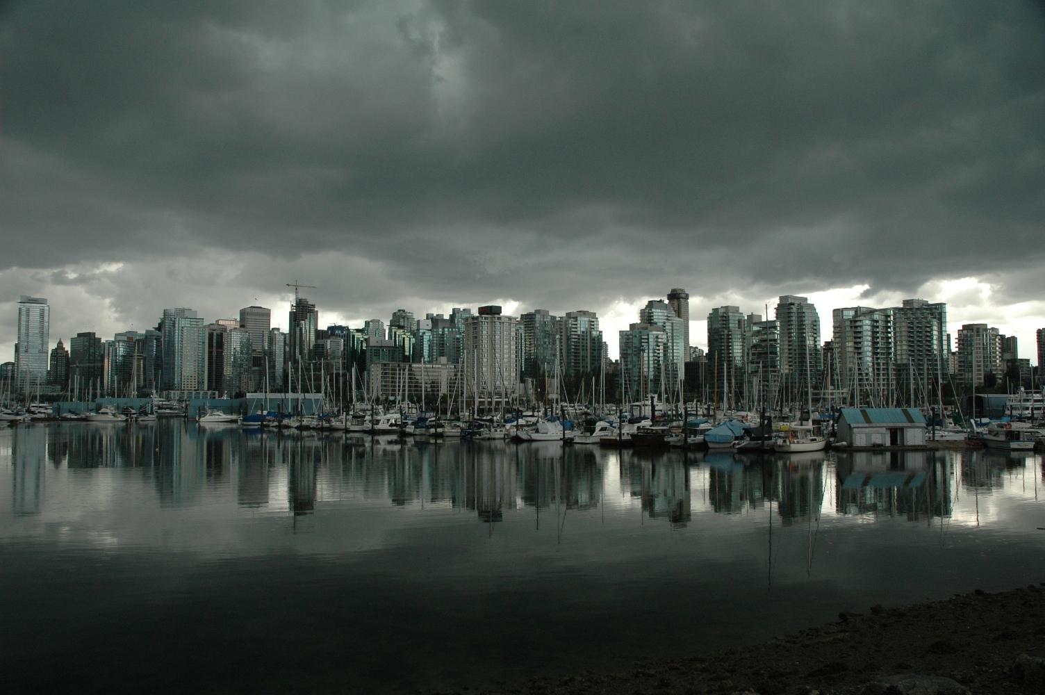 vancouver skyline by jonathon strack desktop wallpaper vancouver 1504x1000