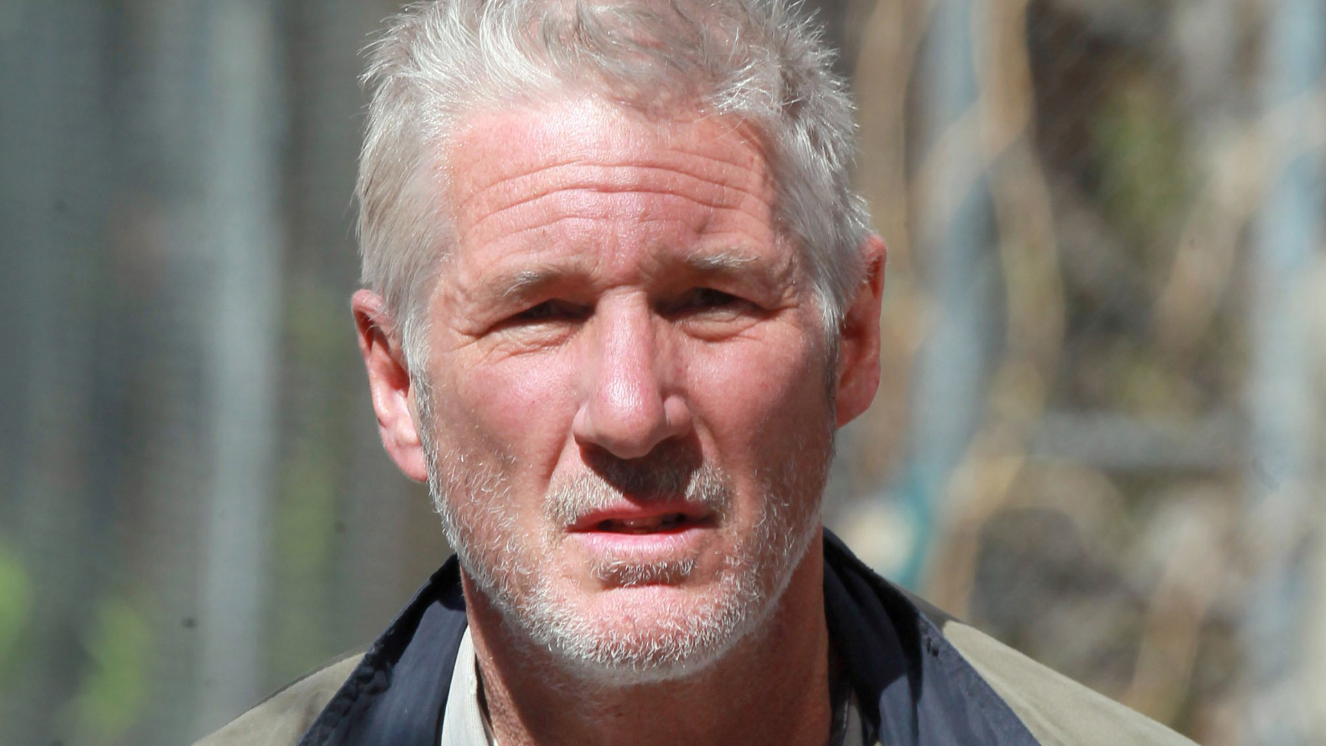 Tourist gives homeless Richard Gere her leftover pizza 1920x1080