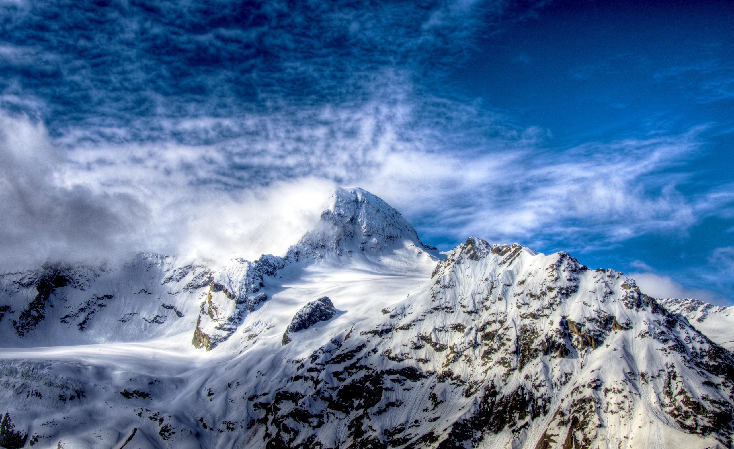 Snow Covered Mountain Peak Hd Wallpaper Wallpaper List 2560x1567
