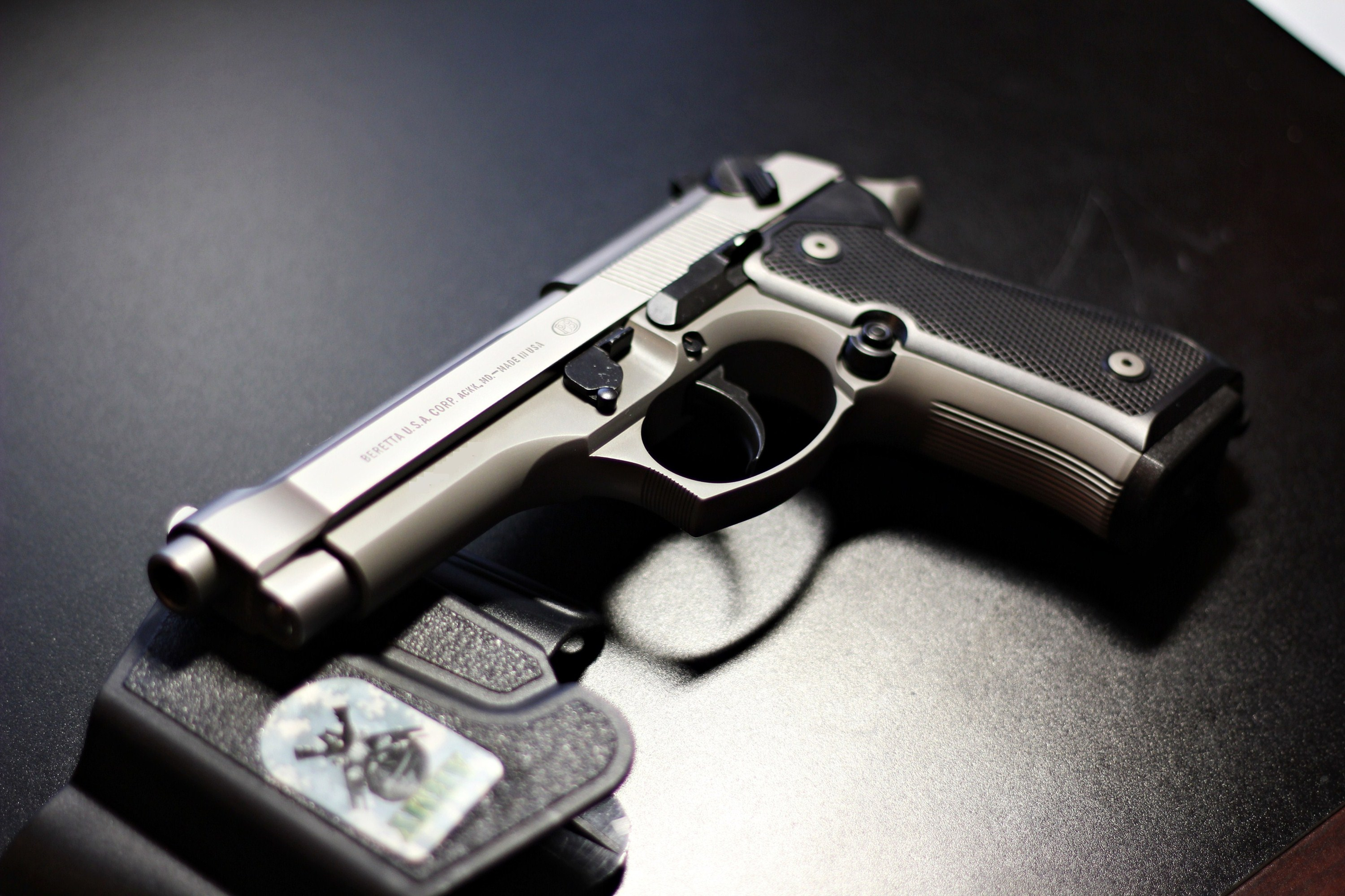 Beretta 92FS Wallpapers Images Photos Pictures Backgrounds 3000x2000