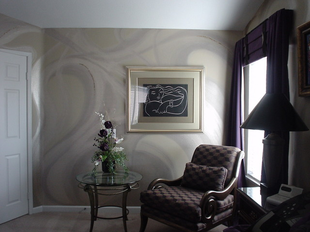 Hand painted Platinum Wall Pattern with Mica Chips eclectic bedroom 640x480