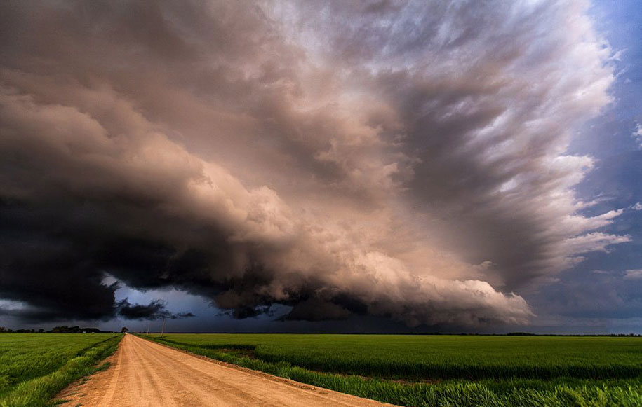 If you saw a supercell storm headed right your way would you take 915x581