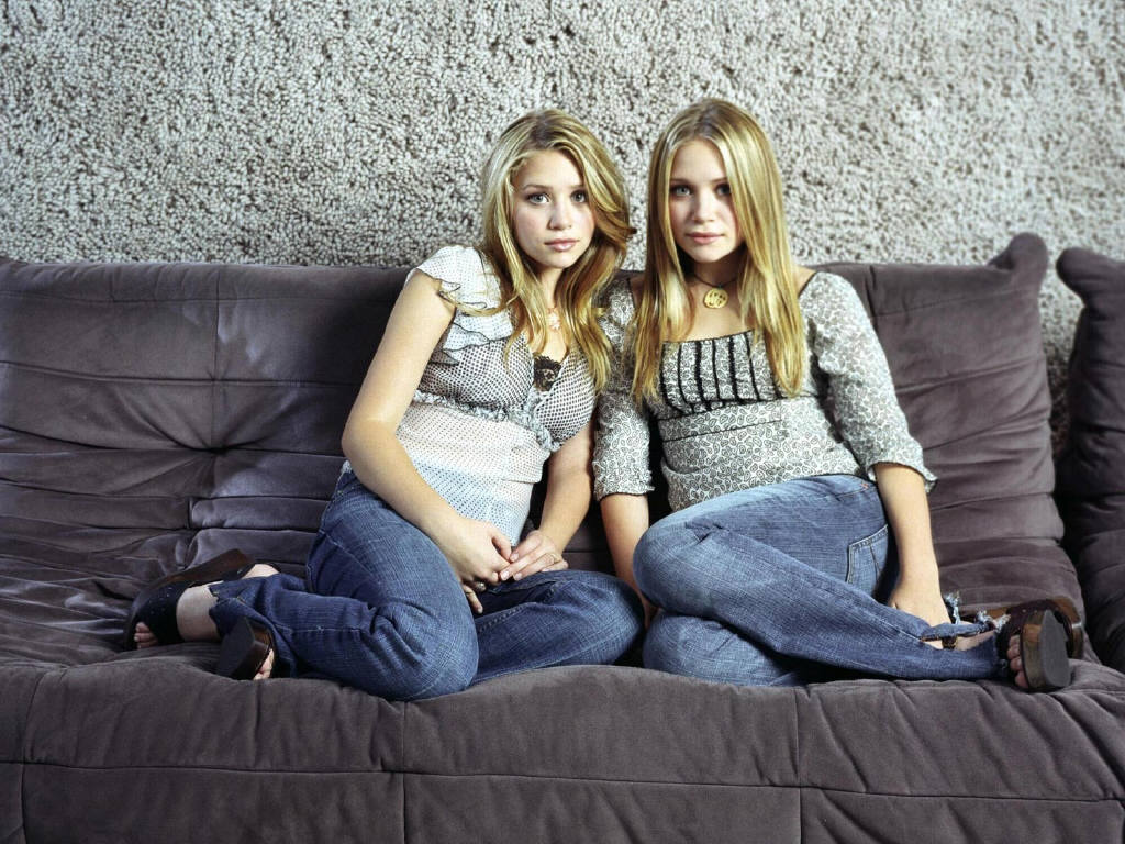Photo Olsen Twins   Wallpapers with a celebrity Olsen Twins 1024x768