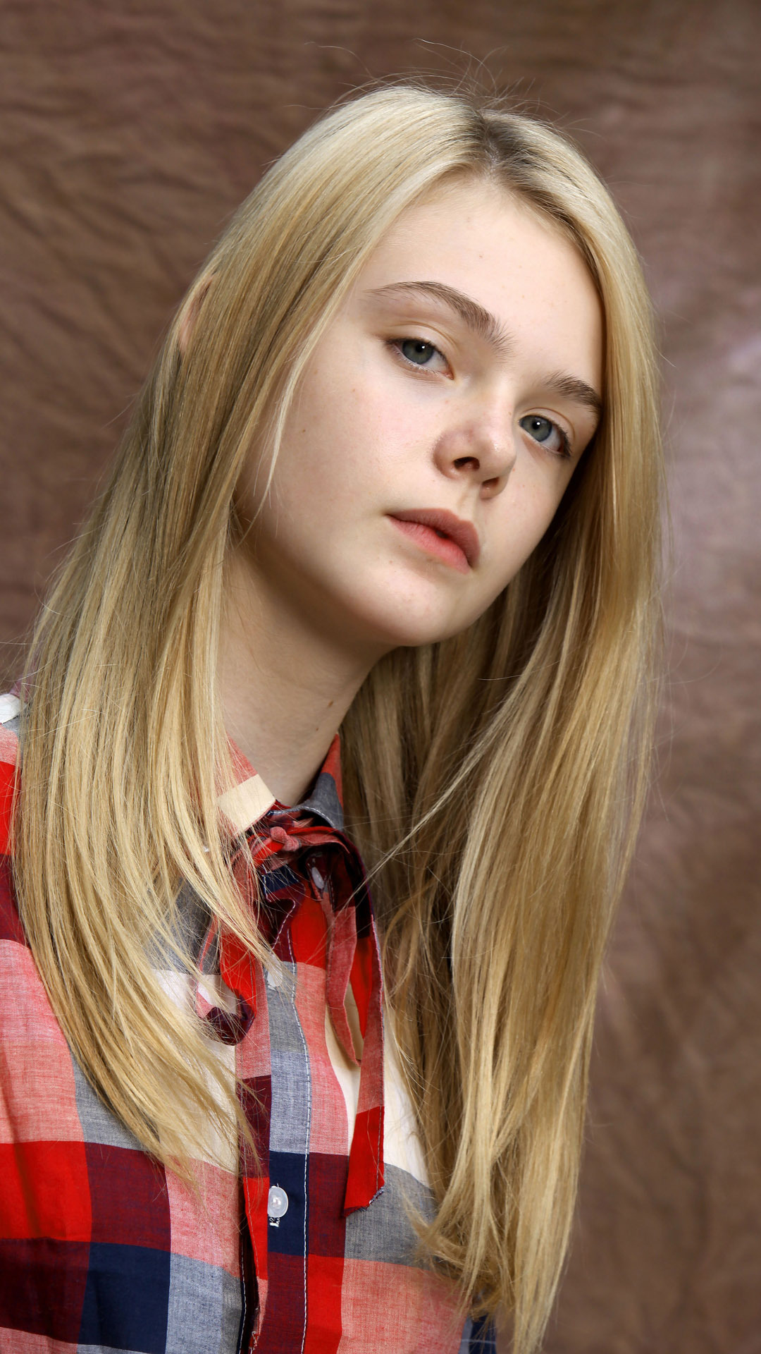 Elle Fanning As A Child HD Wallpaper Background Images 1080x1920