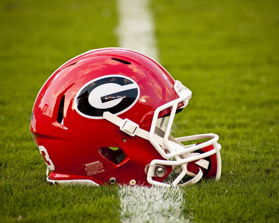Georgia Bulldogs Football Helmet by Replay Photos 900x720