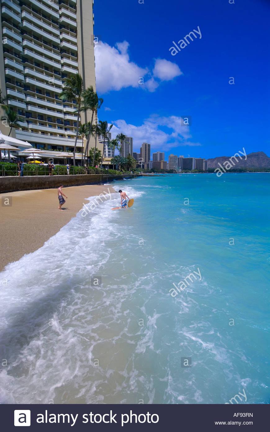 Beach at Sheraton Waikiki Hotel Waikiki Beach Diamond Head crater 870x1390