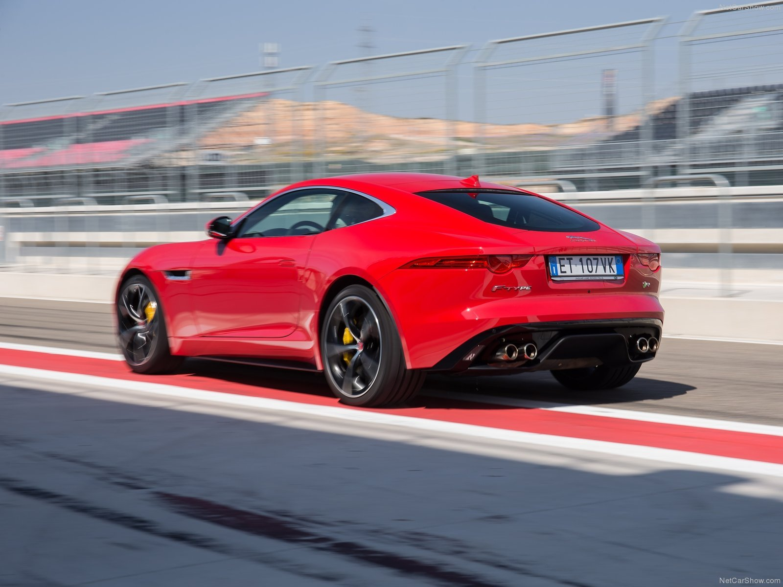 Free Download Jaguar F Type R Coupe 2015 1600x1200 Wallpaper 61