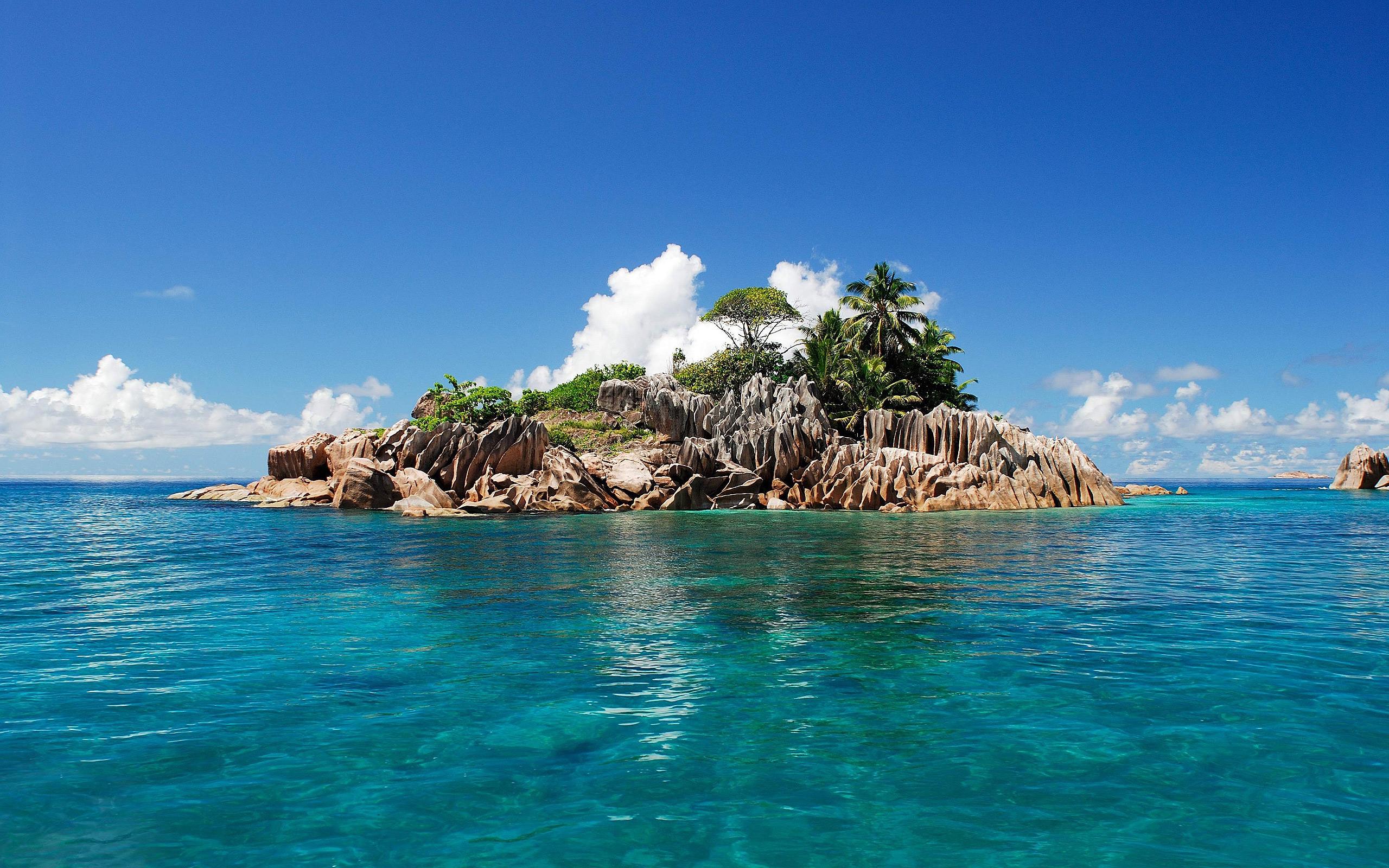 Beautiful Tropical Islands Desktop Wallpaper 2560x1600