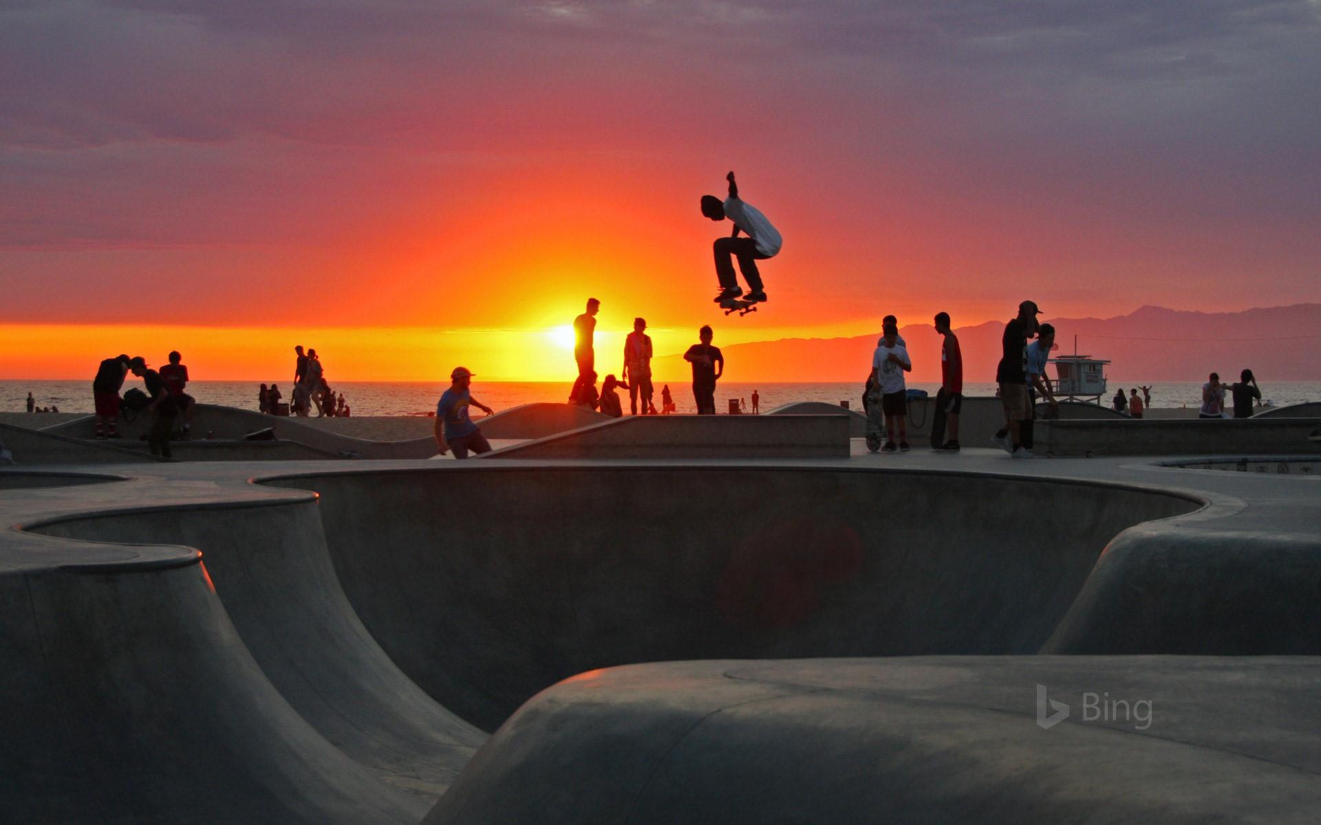 Skateboarding at Venice Beach California mgsMomentGetty 1920x1200