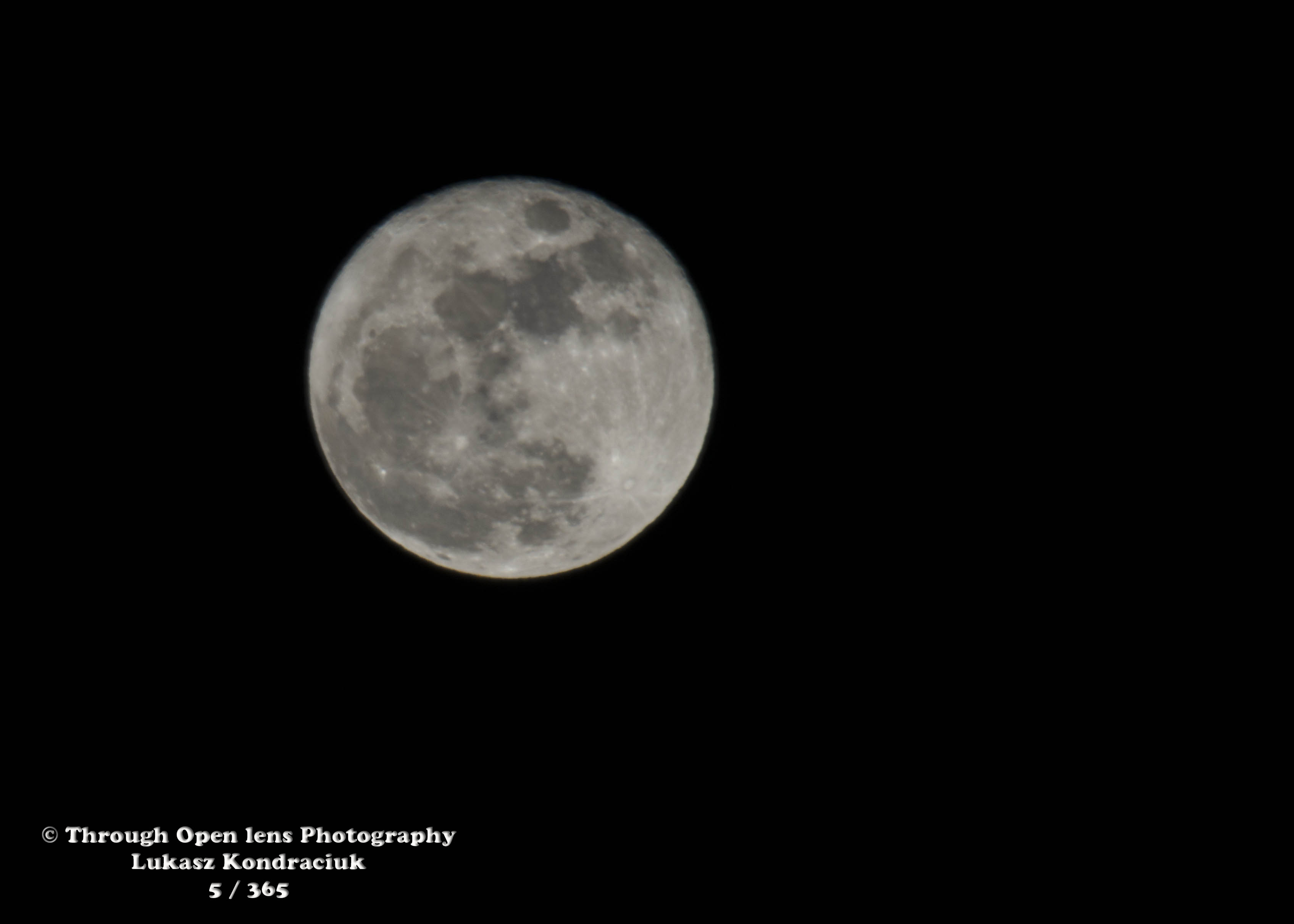 Sorry For Mooning Through Open Lens 3390x2421