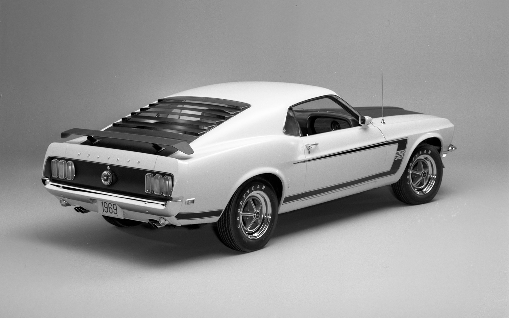1969 Ford Mustang Boss 302   Studio   1   1680x1050   Wallpaper 1680x1050