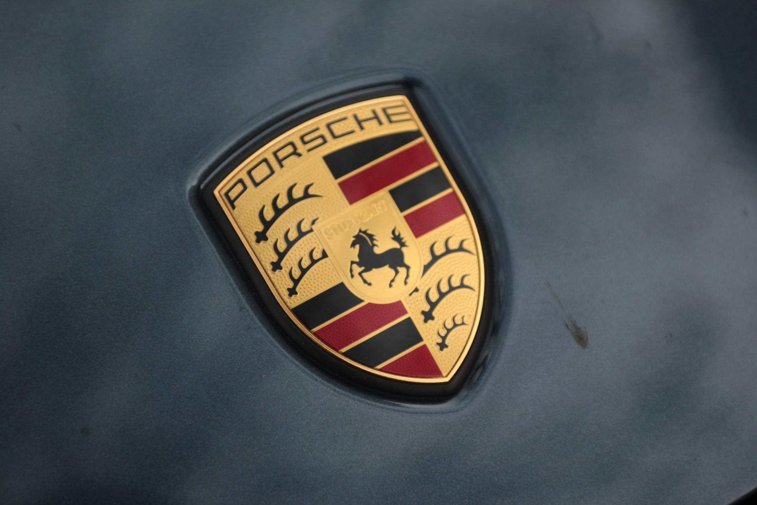 48+ Porsche Logo Wallpaper on WallpaperSafari