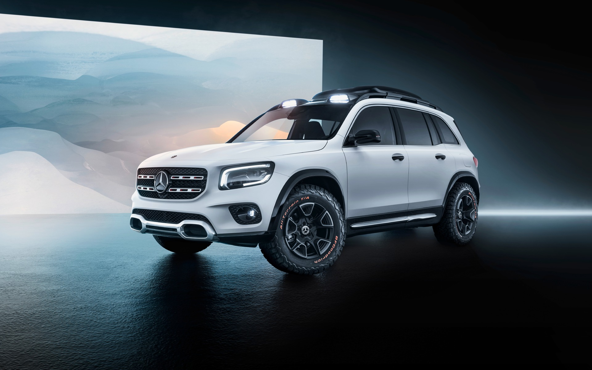 New Mercedes Benz GLB Concept is the Big Little SUV That Could   112 1920x1200