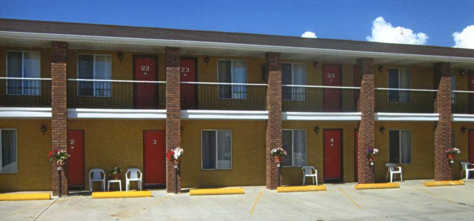 Free home exterior desktop wallpaper wallpapersafari for Motel exterior design