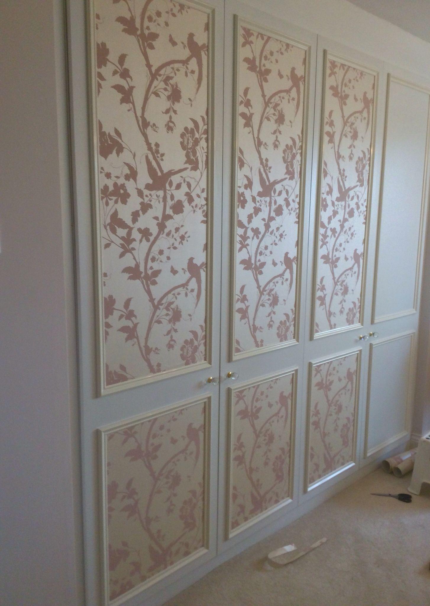 Laura Ashley wallpaper Oriental Garden in Chalk Pink put on the 1454x2048