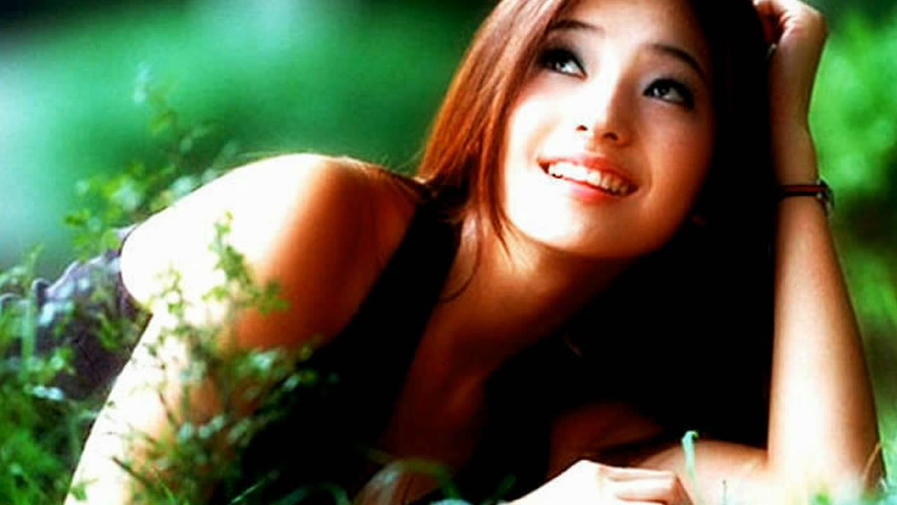 Son Ye Jin Cute Korean Girl Actress Wallpaper High Resolution I Oa