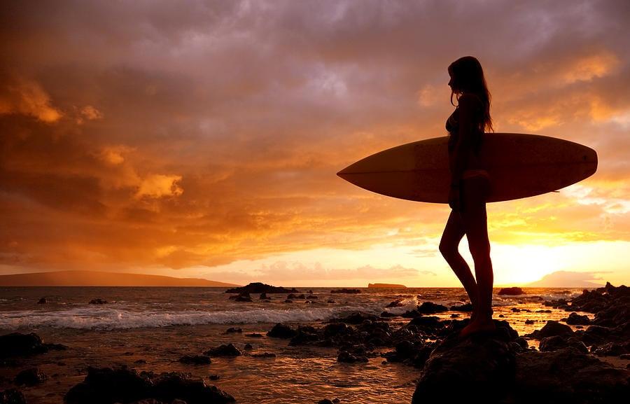 Surfing Girls -...