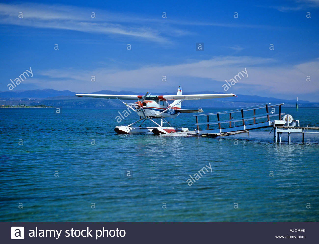 Pleasure flight Cessna 206 Seaplanes Lake Taupo Mount Ruapehu 1300x995