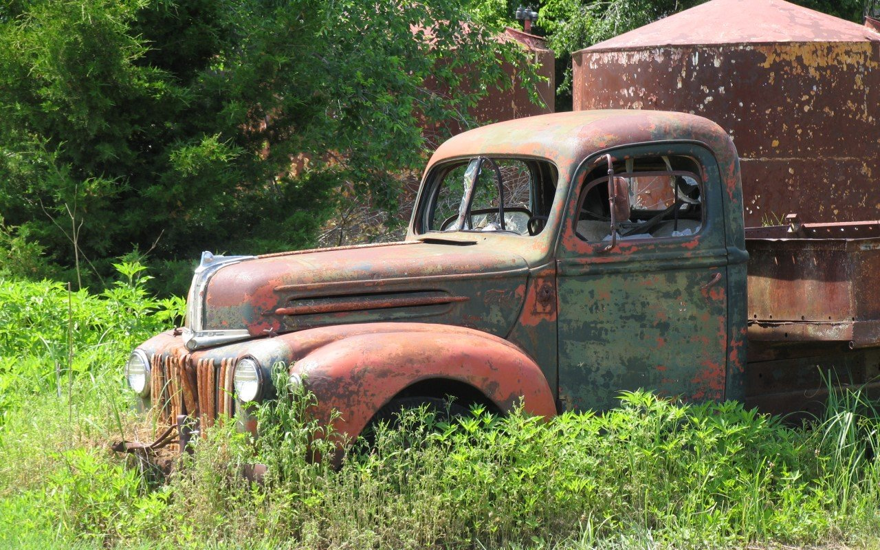 Old Truck Wall 1280x800
