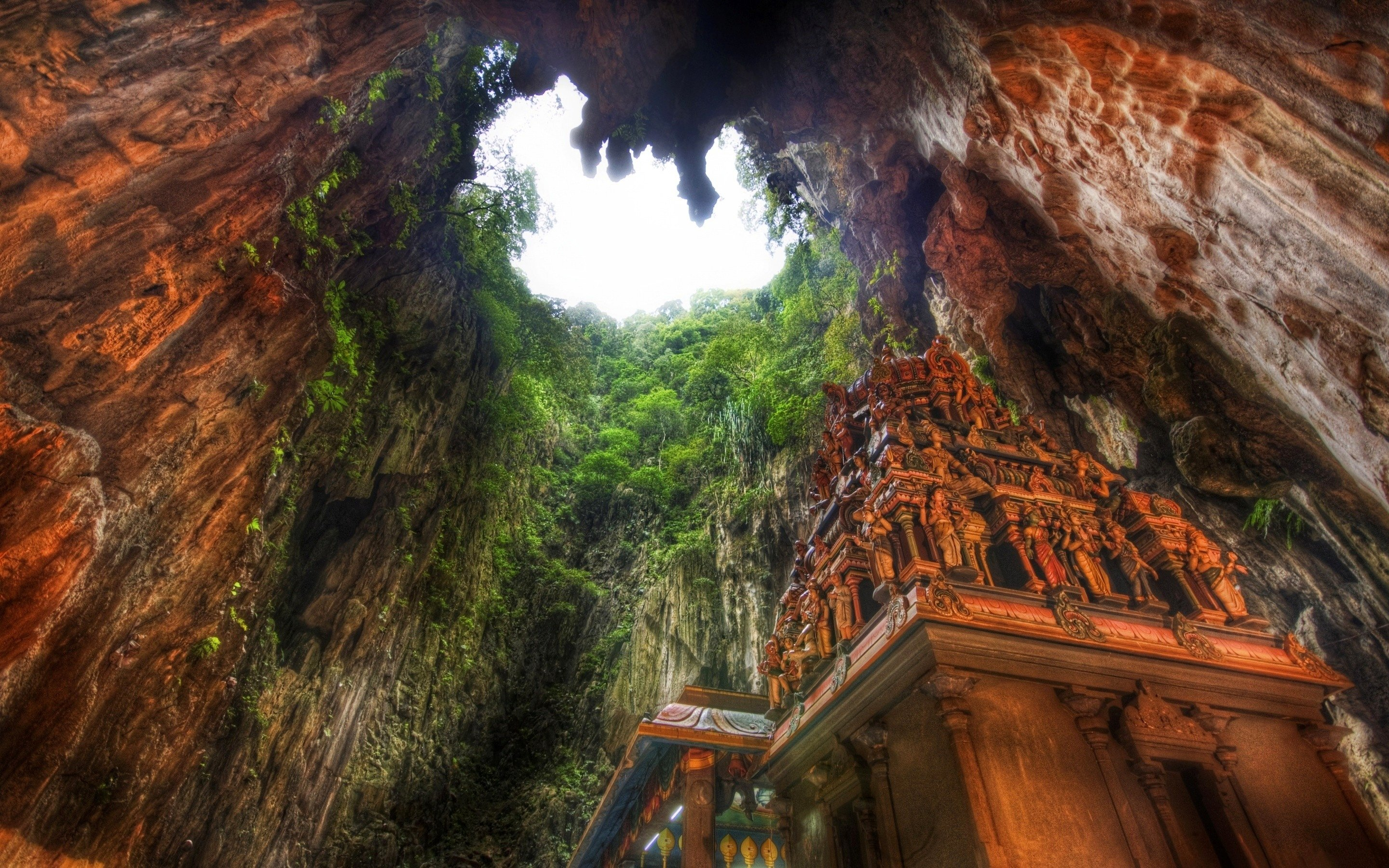 Temple Caves Malaysia HD Wallpapers 2880x1800