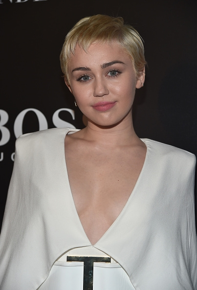 Webitou   Images   miley cyrus pictures 2015 403x594