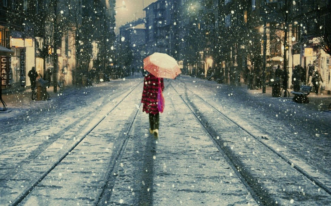 Snow Istanbul umbrellas Istiklal street lifestyle street wallpaper 1120x700