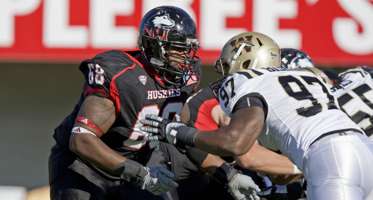 Nine Football Huskies Honored with Academic All MAC Recognition 728x391