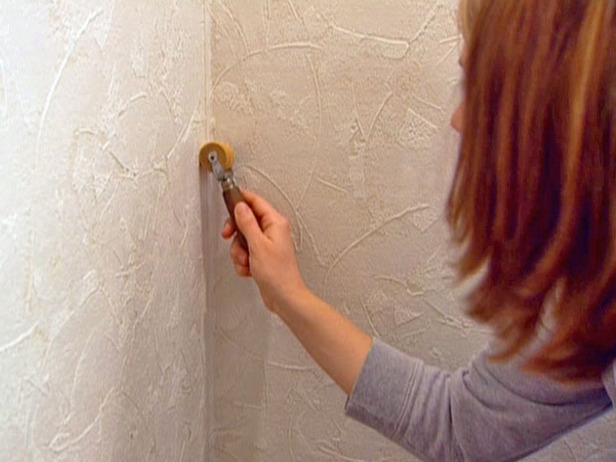 How to Install and Paint Textured Wallpaper 616x462