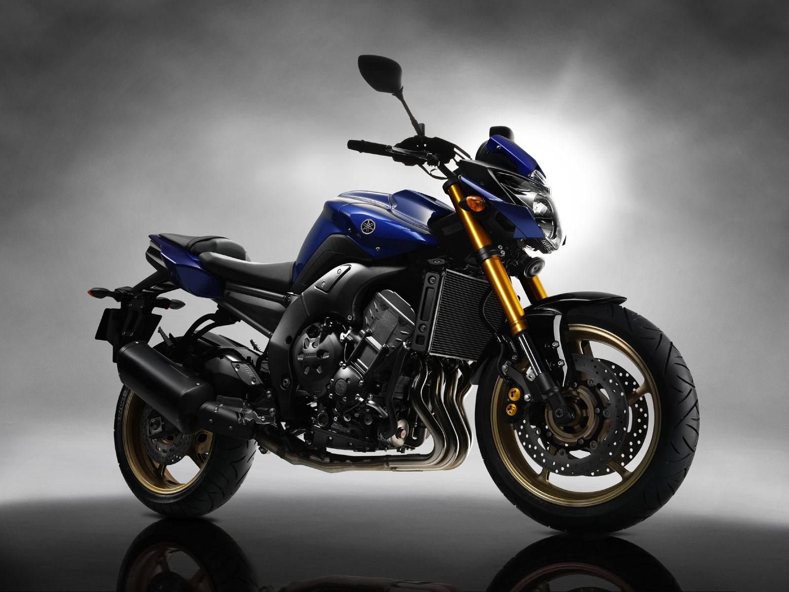 Yamaha FZ8 1600x1200