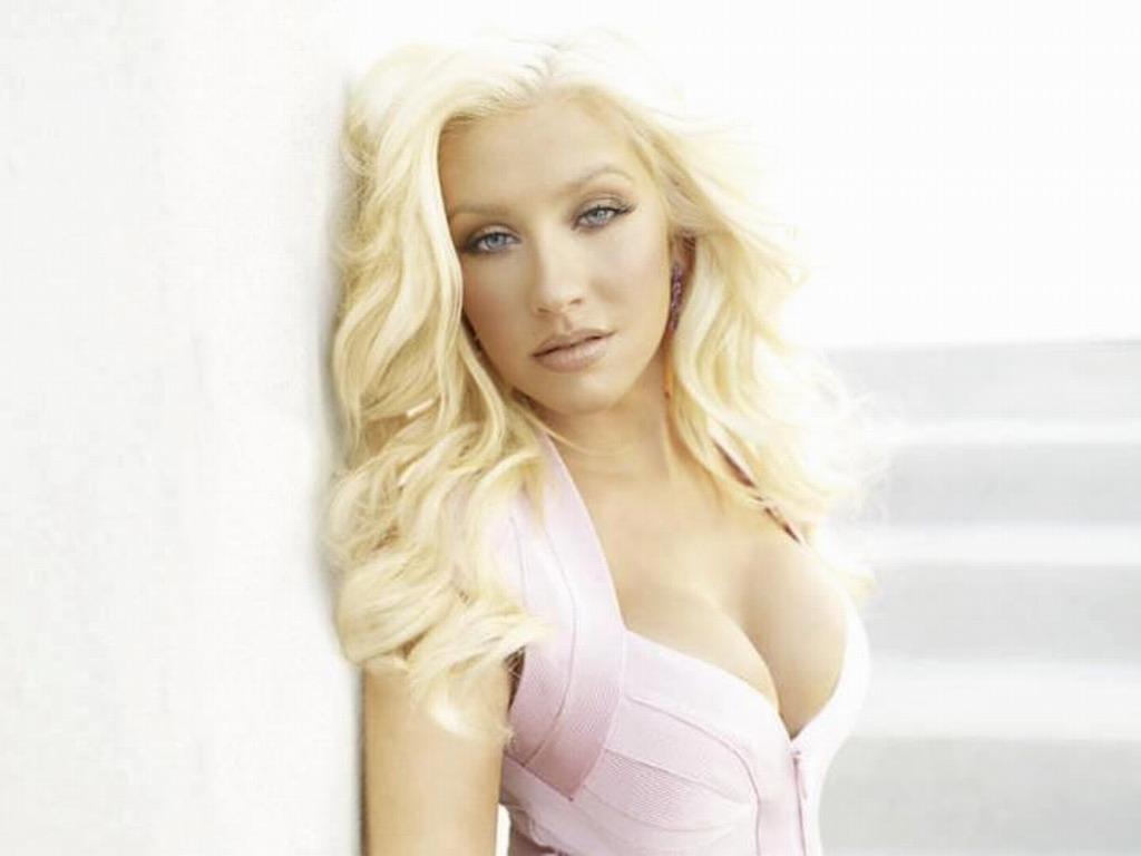 Christina   Christina Aguilera Wallpaper 32083537 1024x768