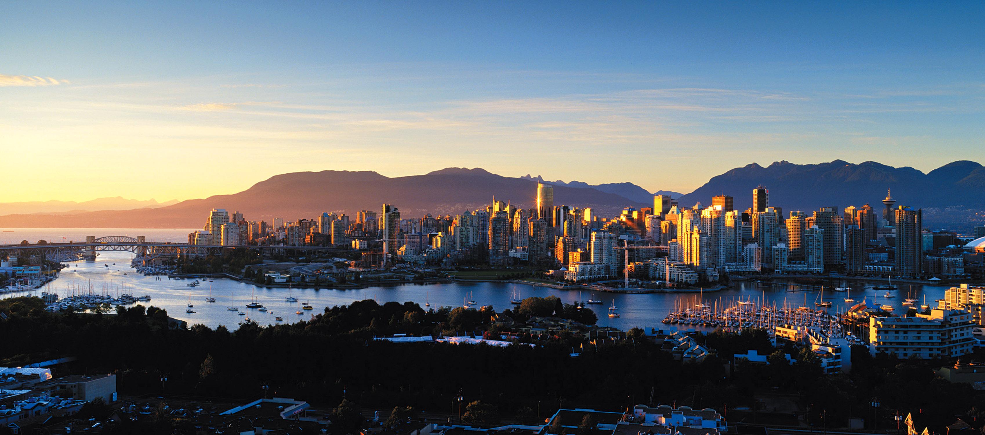Vancouver Wallpaper 3   3397 X 1500 stmednet 3397x1500