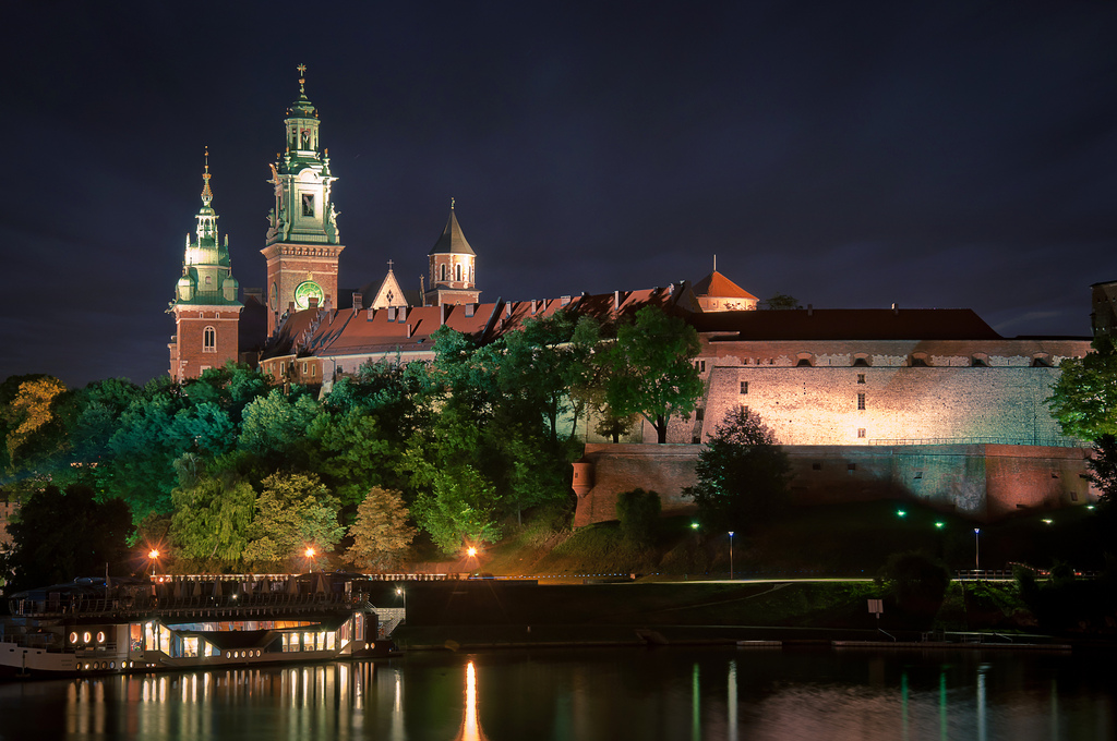 Wawel Castle Krakow The enclosed fortification of Wawel 1024x680
