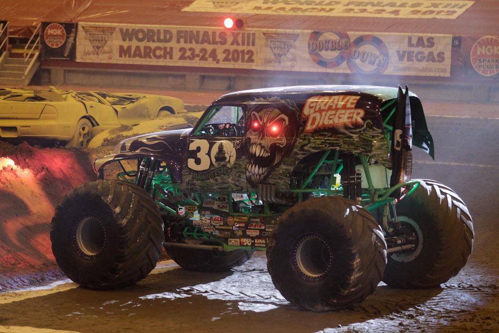Monster Jam Photos Syracuse New York   March 10 2012 1024x683