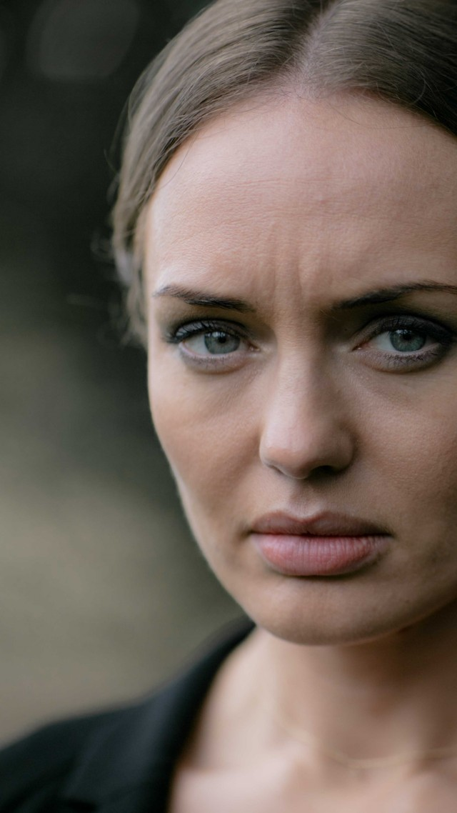 Wallpaper Laura Haddock 8k photo Celebrities 14100 640x1138