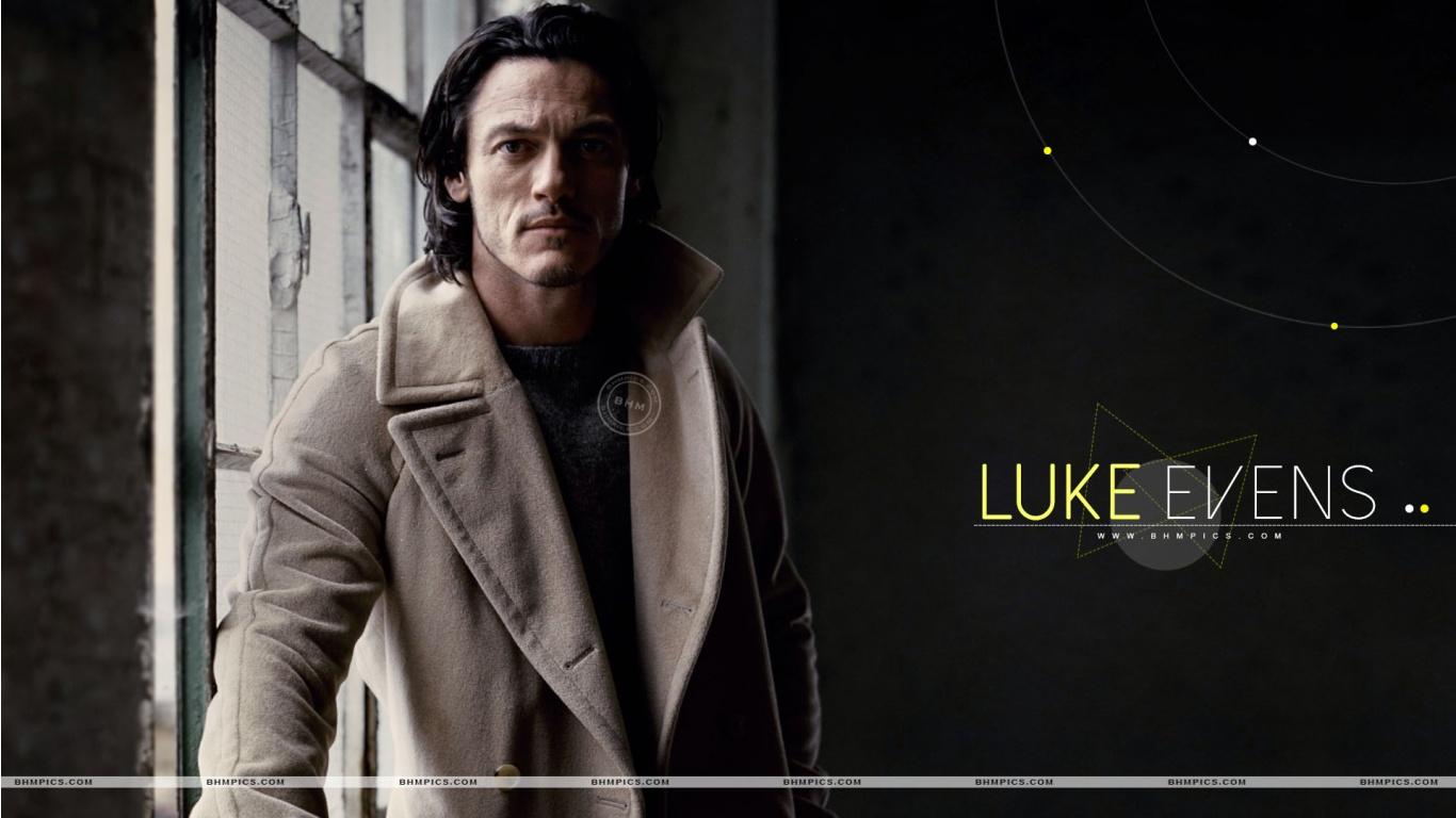 Handsome Luke Evans Wallpapers   1366x768   226013 1366x768