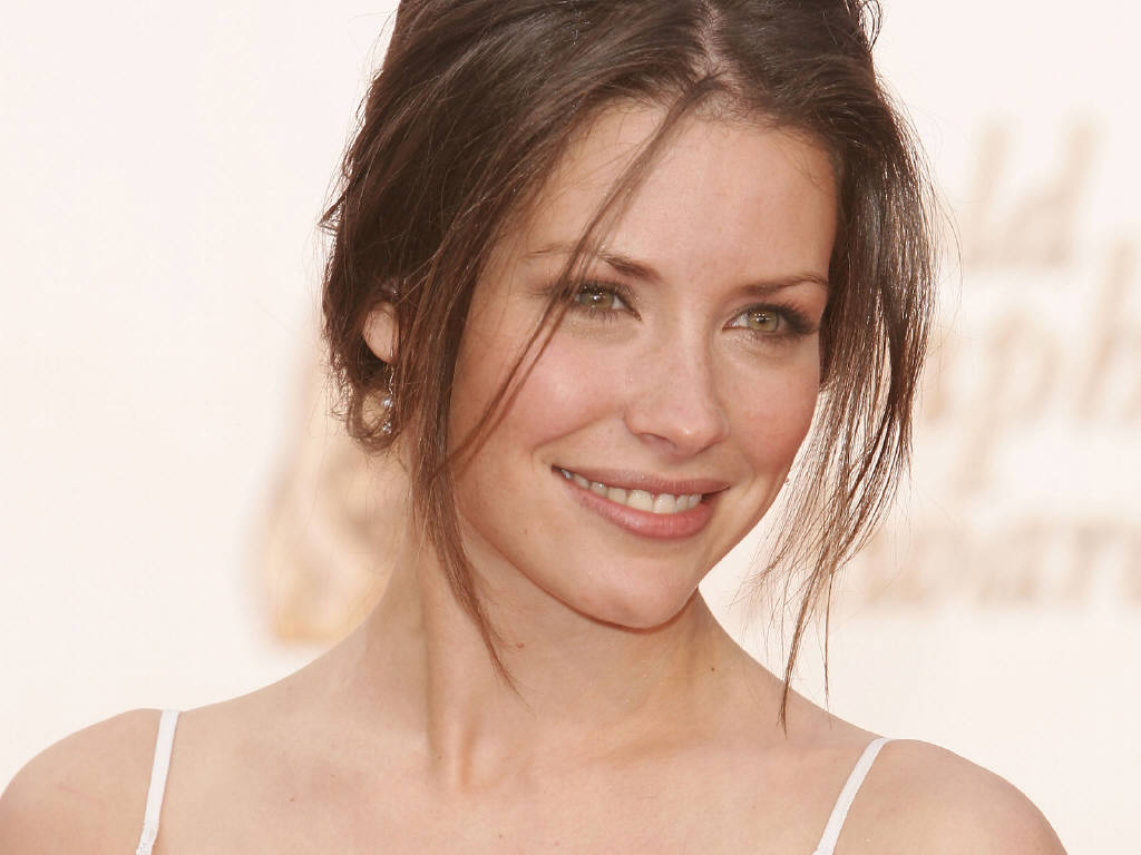 Evangeline Lilly Hot Pictures Photo Gallery Wallpapers 1024x768
