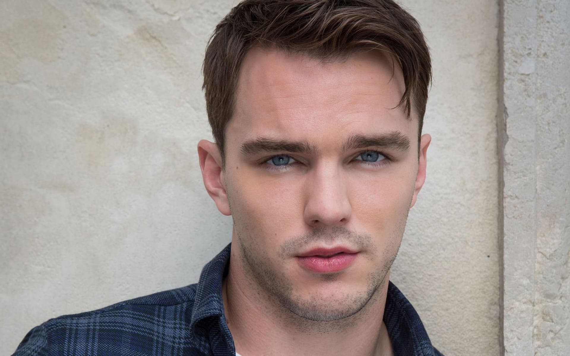 Download 13 Nicholas Hoult wallpapers High Quality ...
