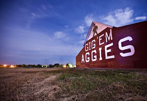 Photo Aggie Barn Night   Aggies Texas AM Lurvely 500x342